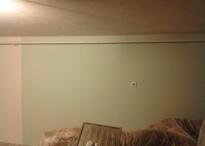 výmalba stěny v pokoji